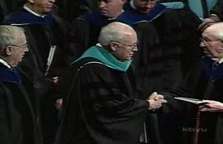President Gordon B. Hinckley shaking hands with Vice President Dick Cheney. Again notice the location of the index fingers.